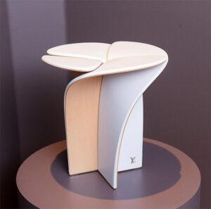 Έπιπλα-καρέκλα