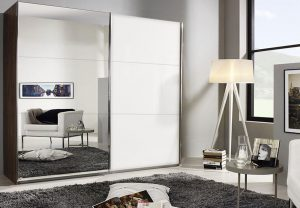 Ντουλάπα με καθρέπτη και συρόμενες πόρτες