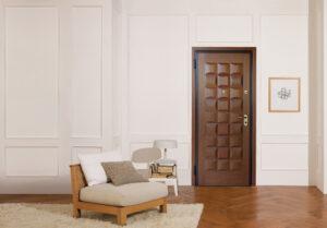 Θωρακισμένη Πόρτα με Χειροποίητη Επένδυση Τριανταφυλλιάς