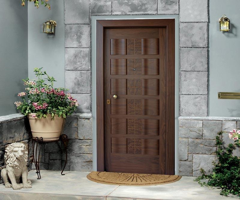 Θωρακισμένη Πόρτα με Χειροποίητη Επένδυση Καρυδιάς