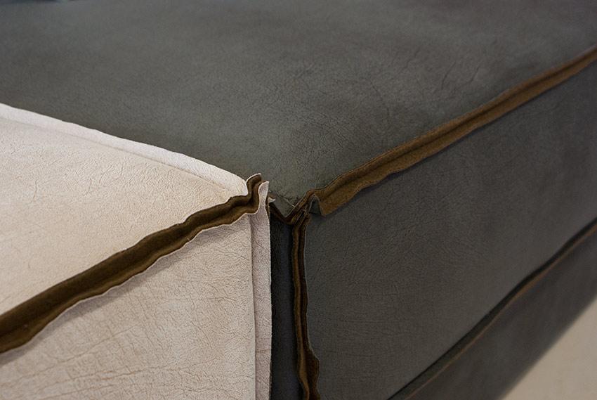 Κοντινή λήψη από Πολυμορφικό γωνιακό σαλόνι με σκαμπό