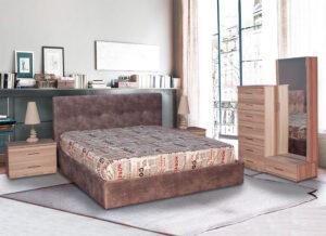 Υπνοδωμάτιο με Σετ κρεβατοκάμαρας με ντυμένο κρεβάτι