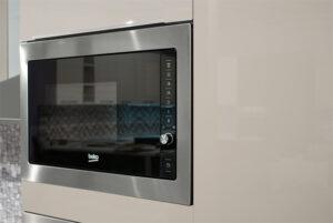 Έτοιμη κουζίνα με έξι ηλεκτρικές συσκευές