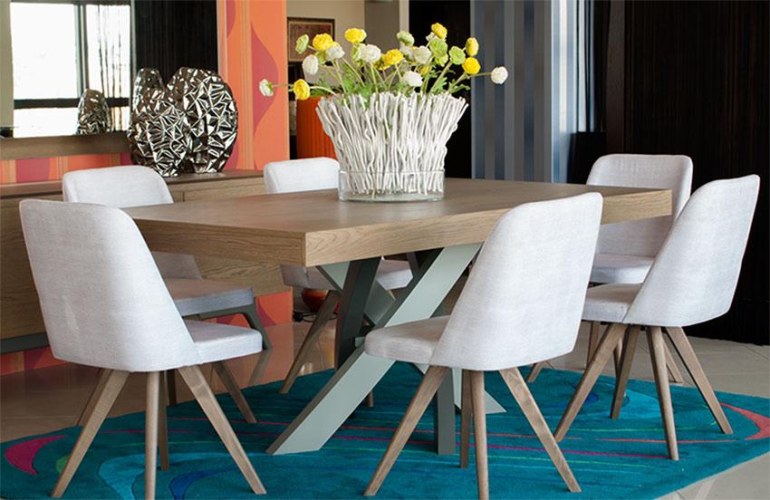 Μοντερνα τραπεζαρια σε ξυλο δρυ με 6 καρεκλες