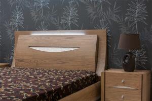 Κρεβατοκάμαρα σε δρυ με led κρυφό φωτισμό και τεχνοτροπία